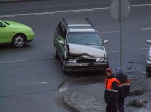Ulica_Nowowiczlińska,_Gdynia_-_wypadek_samocgodowy_-_004