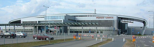 640px-Port_Lotniczy_Ławica_RB2