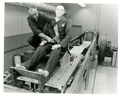 Seatbelt_testing_apparatus
