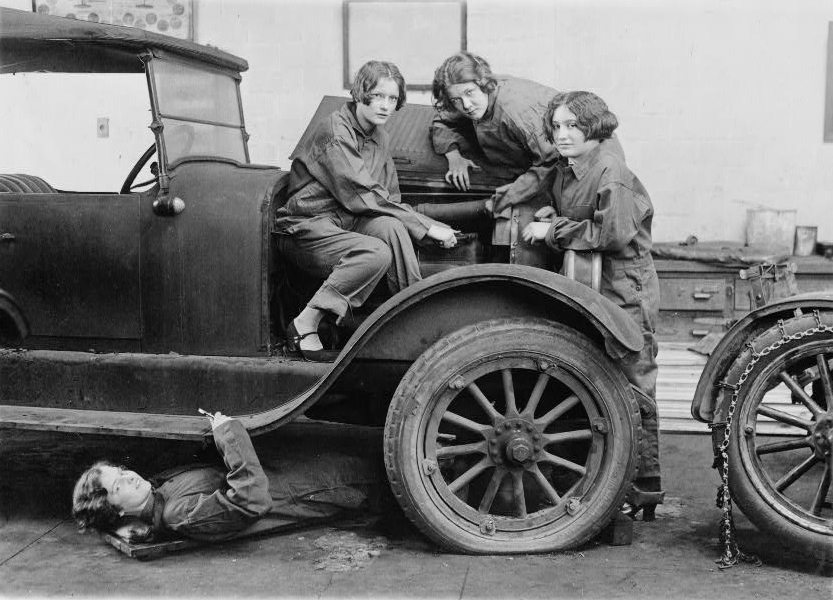 High_school_girls_learn_the_art_of_automobile_mechanics