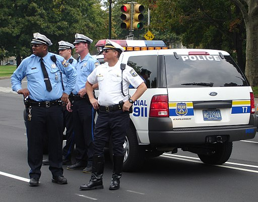 Philadelphia_Police_-_gang_with_vehicle